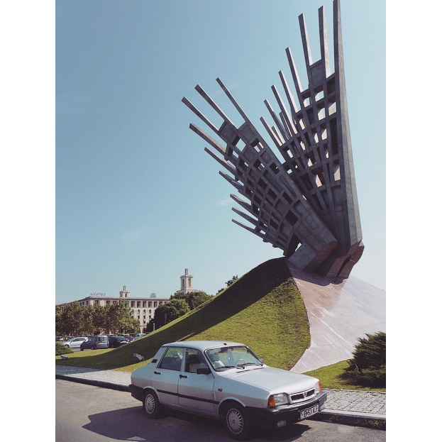 Aripi (Wings) | 2016 | Piata Presei Libere | Artist Mihai Buculei | Dedicated to anti-communist resistance. And yet you'd swear the style of it was Soviet-era.
